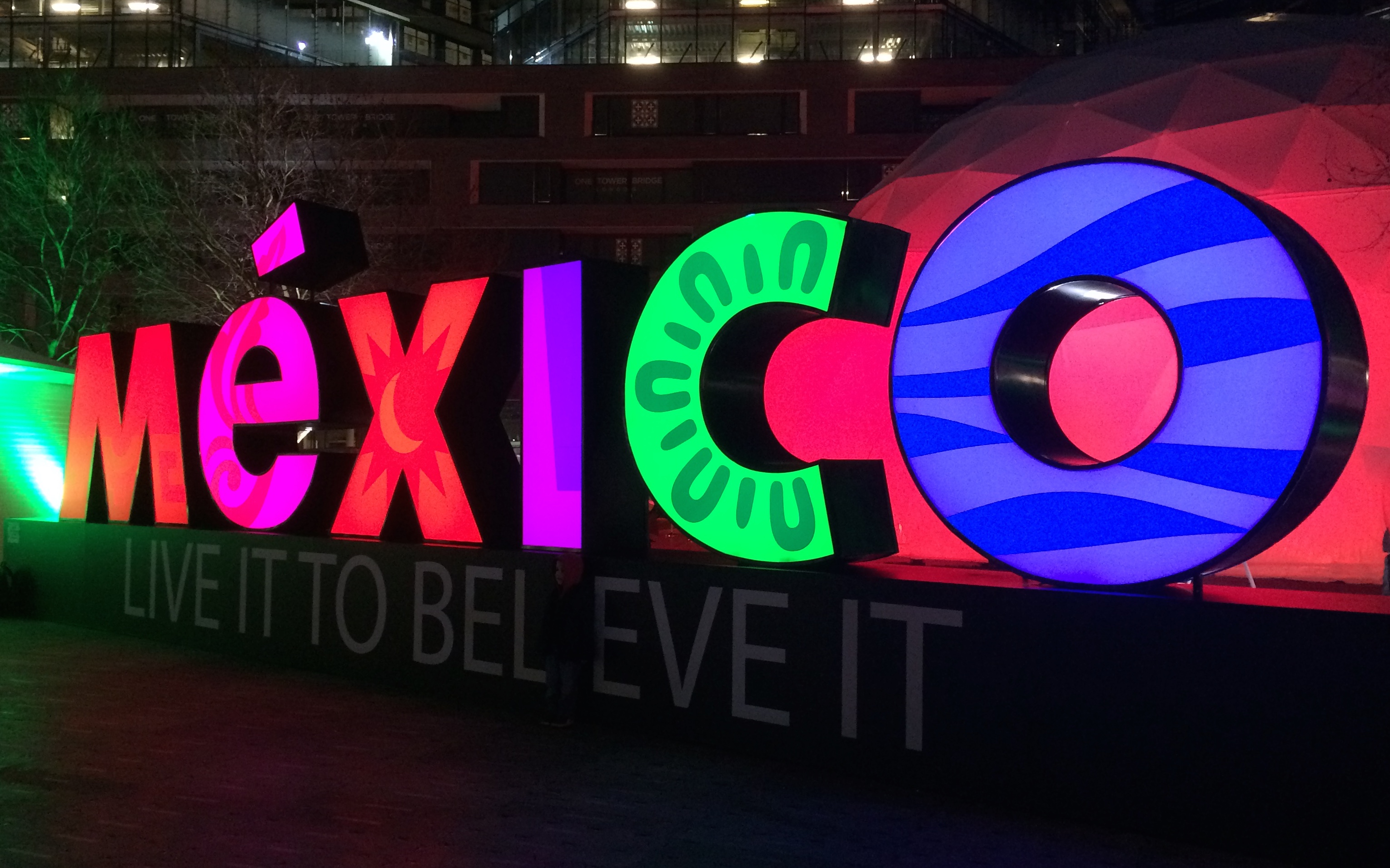 Mexico sign southbank
