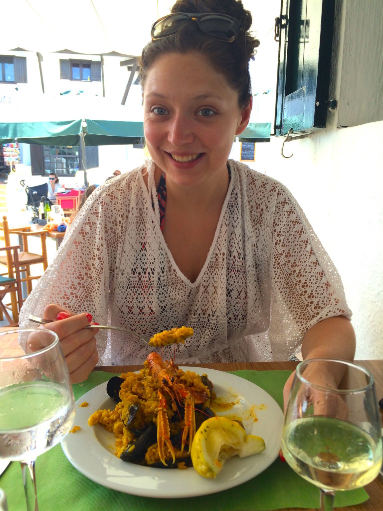 Eating Paella at El Pescadito de Binibeca