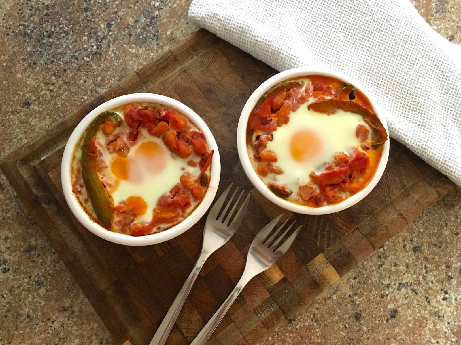 #FitFoodBMF Recipe: Spicy Baked Eggs