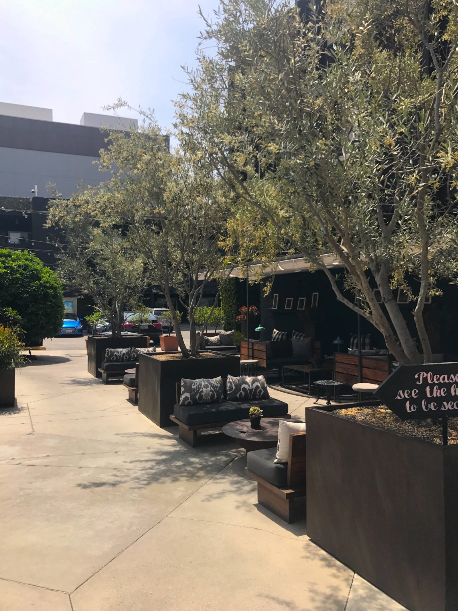 A Gem in the City: Farmer's Daughter Hotel, West Hollywood